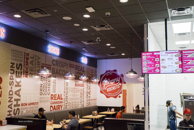 johnny-rockets-inside