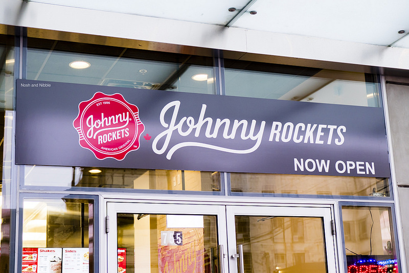 johnny-rockets-outside