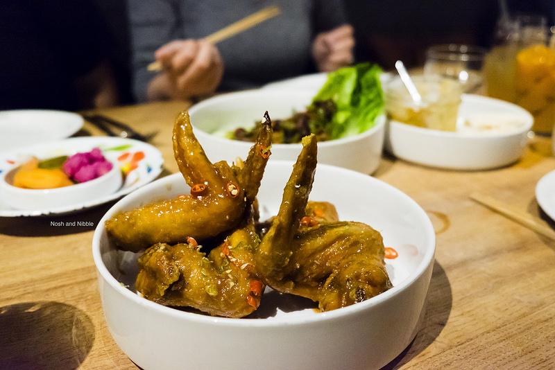 kin-khao-pretty-hot-wings