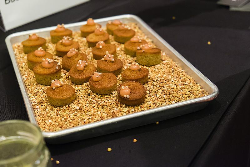 eat-pastry-buckwheat-financier