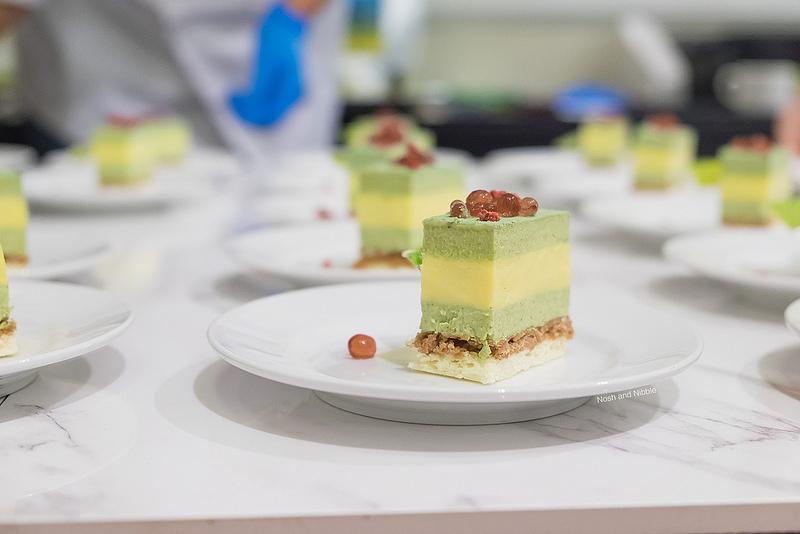 eat-pastry-matcha-yuzu-cake