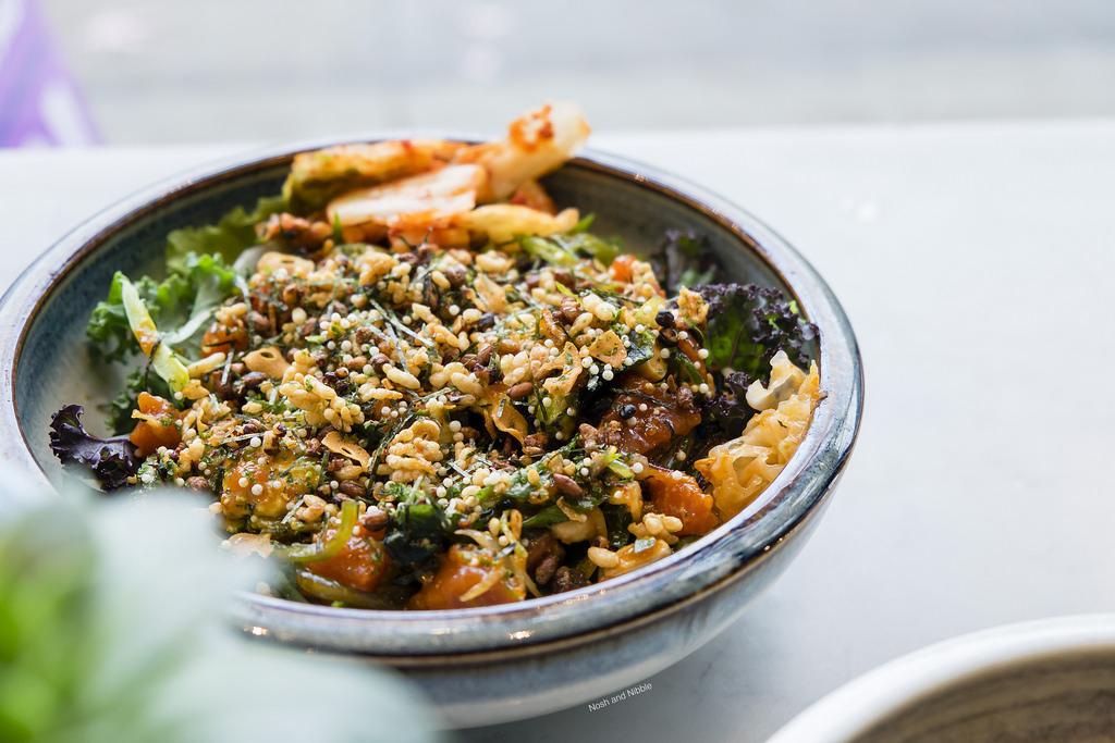 pokeman-salmon-yukke-poke-bowl