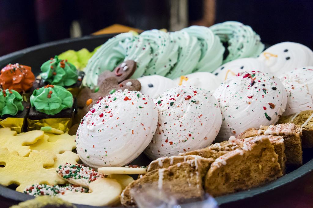 caffe-artigiano-baked-goods-tray-2