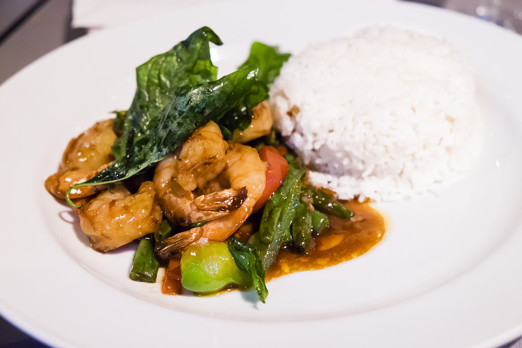 urban-thai-bistro-kra-pau-tiger-prawns
