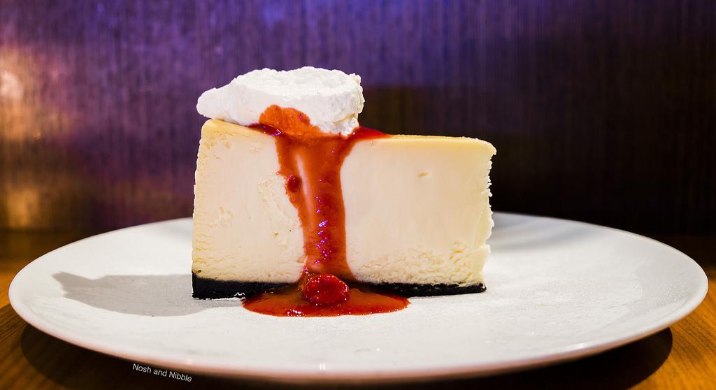 cactus-club-cafe-bentall-5-white-chocolate-cheesecake