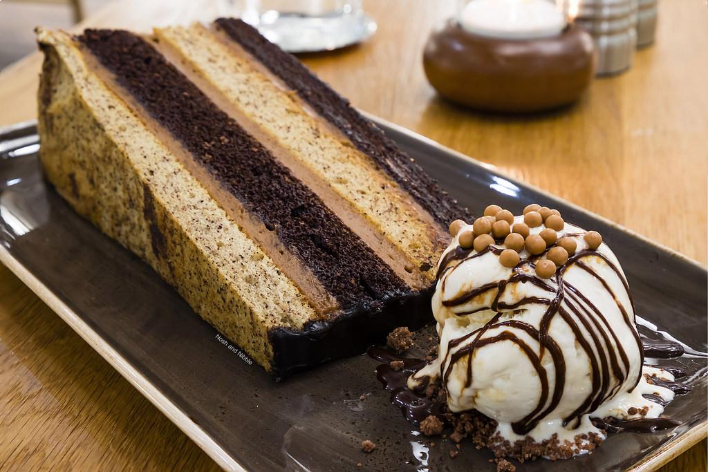 honey-salt-vancouver-society-cake