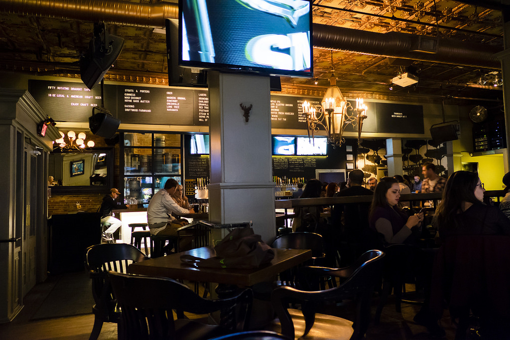 lamplighter-pub-inside