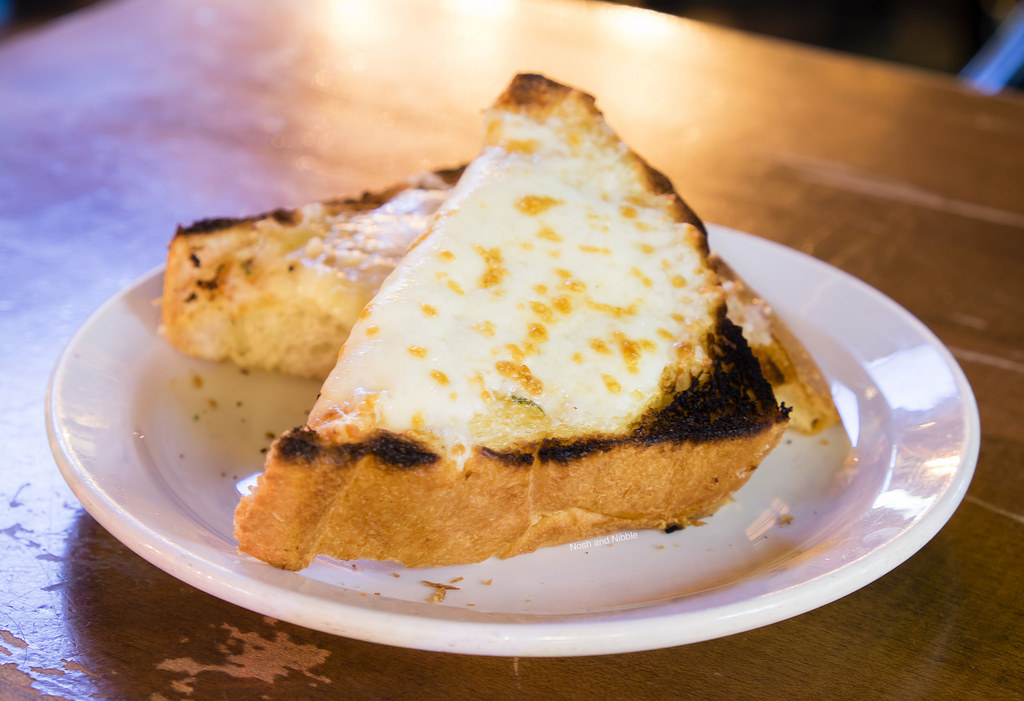 lamplighter-pub-truffle-cheese-toast