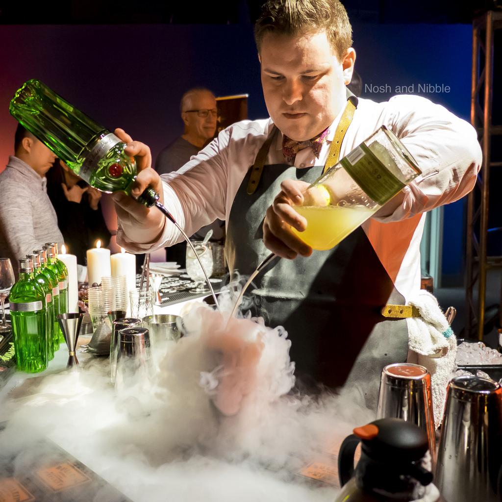 science-of-cocktails-returns-2018-nitrogen-pour