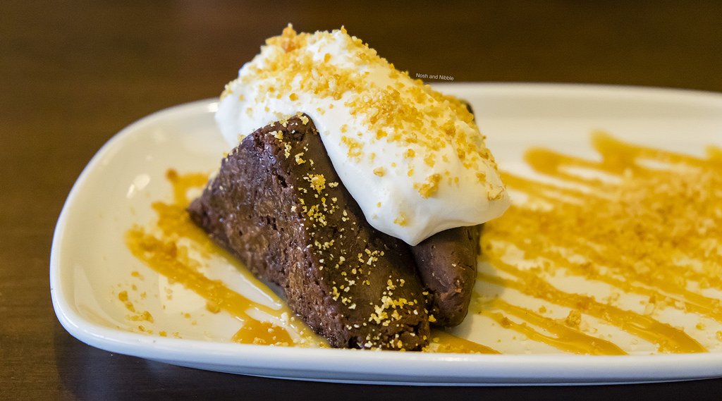 bin-4-burger-lounge-flourless-chocolate-torte