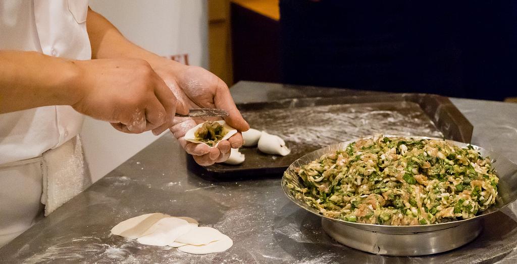 peaceful-restaurant-dumpling-stuffing