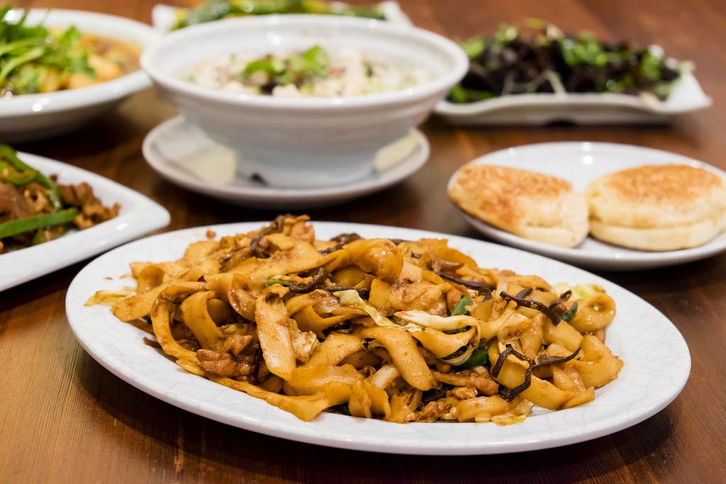 peaceful-restaurant-mu-shu-fried-noodles
