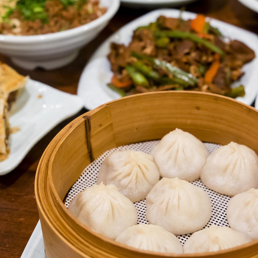 peaceful-restaurant-xiao-long-bao