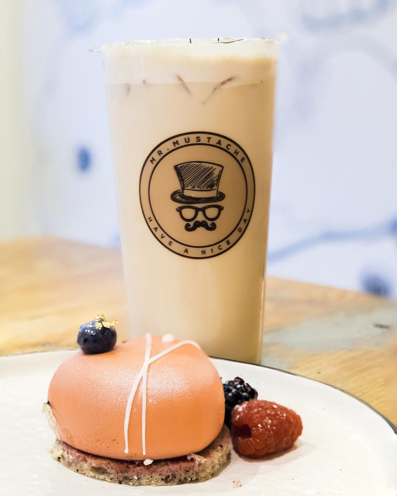 mr-mustache-milk-tea-mousse