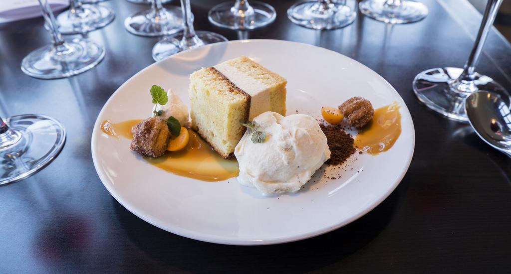viwf-gusto-latinoamericano-rumchata-almond-cake