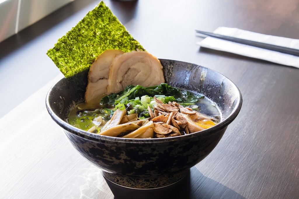 ramen-koika-robson-triple-black-garlic-ramen