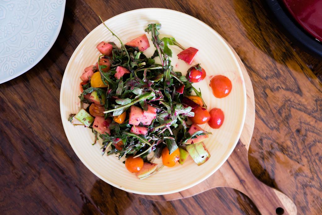 moltaqa-apple-arugula-salad