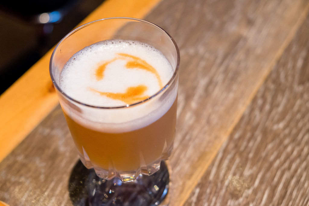 the-compound-cedar-smoked-whisky-sour