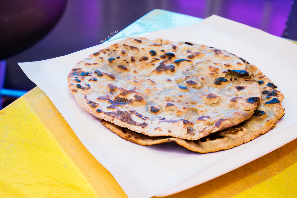 silk-lounge-black-chana-roti
