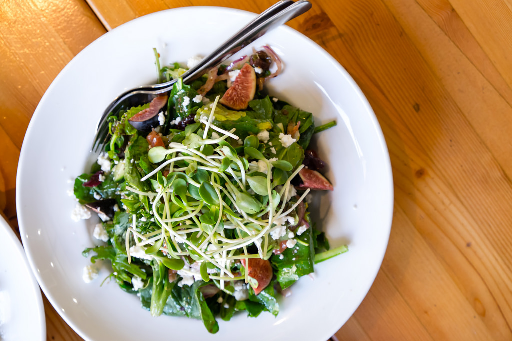 rocky-mountain-flatbread-fig-goat-cheese-salad