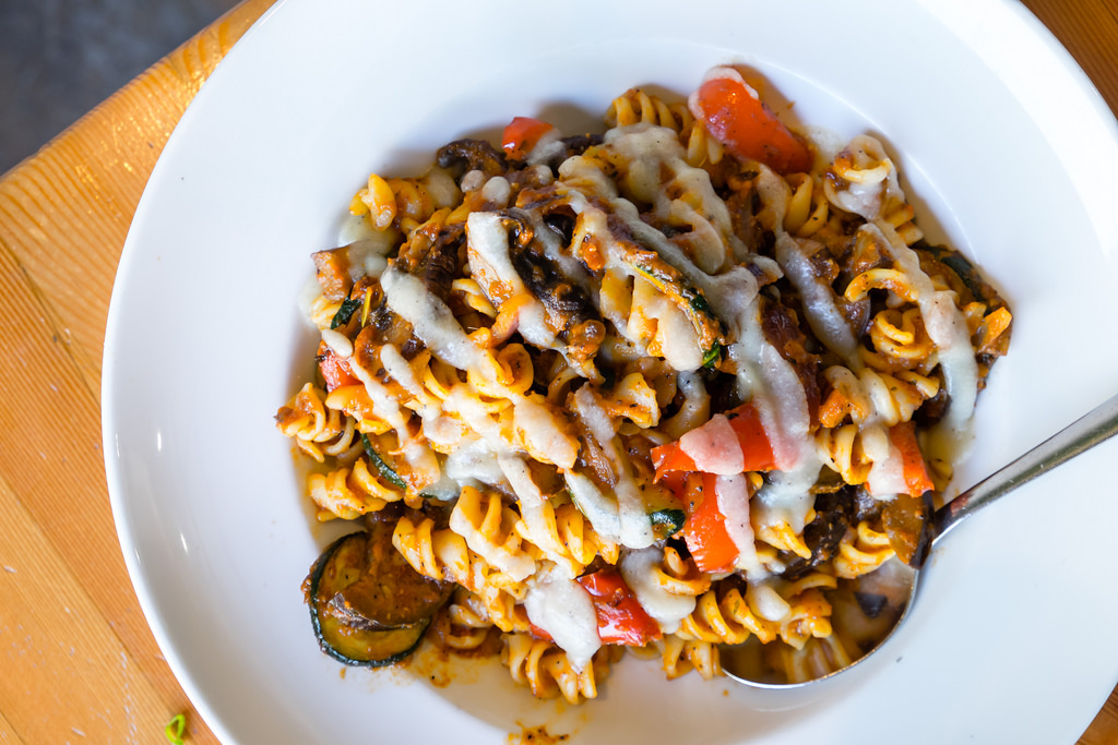 rocky-mountain-flatbread-roasted-veggie-rotini