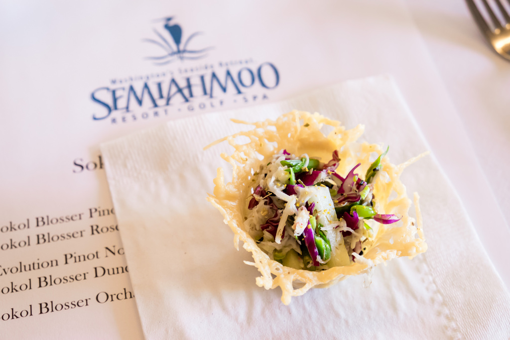 semiahmoo-winemaker-dinner-crab-cakes