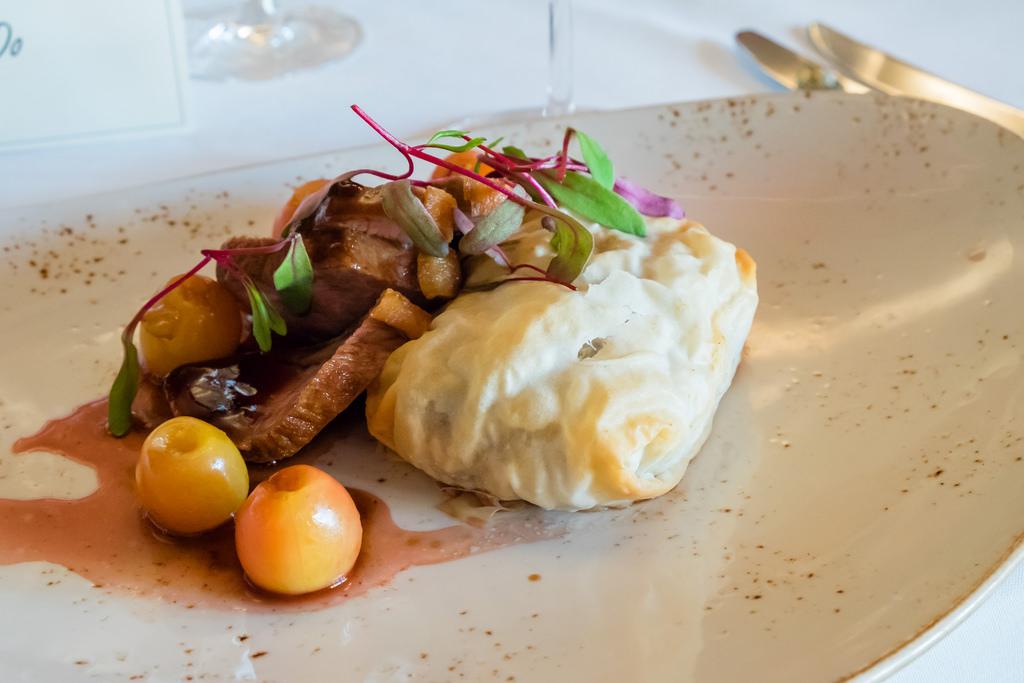 semiahmoo-winemaker-dinner-pan-seared-duck-breast
