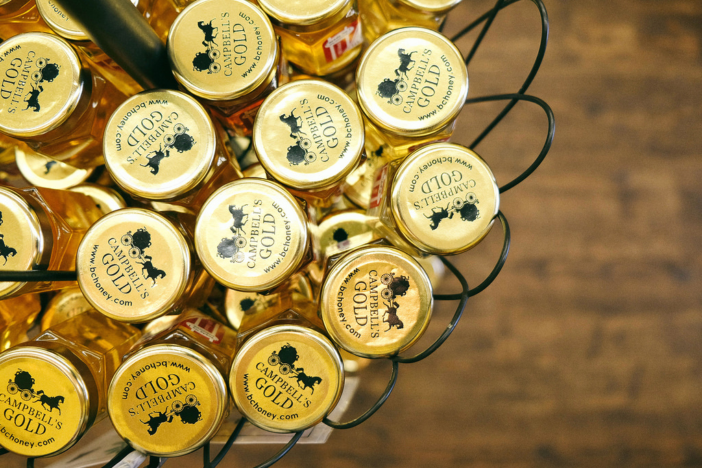 circle-farm-tour-campbells-gold-honey-farm-meadery
