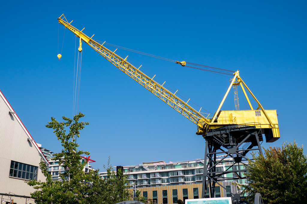 shipyards-night-market-crane