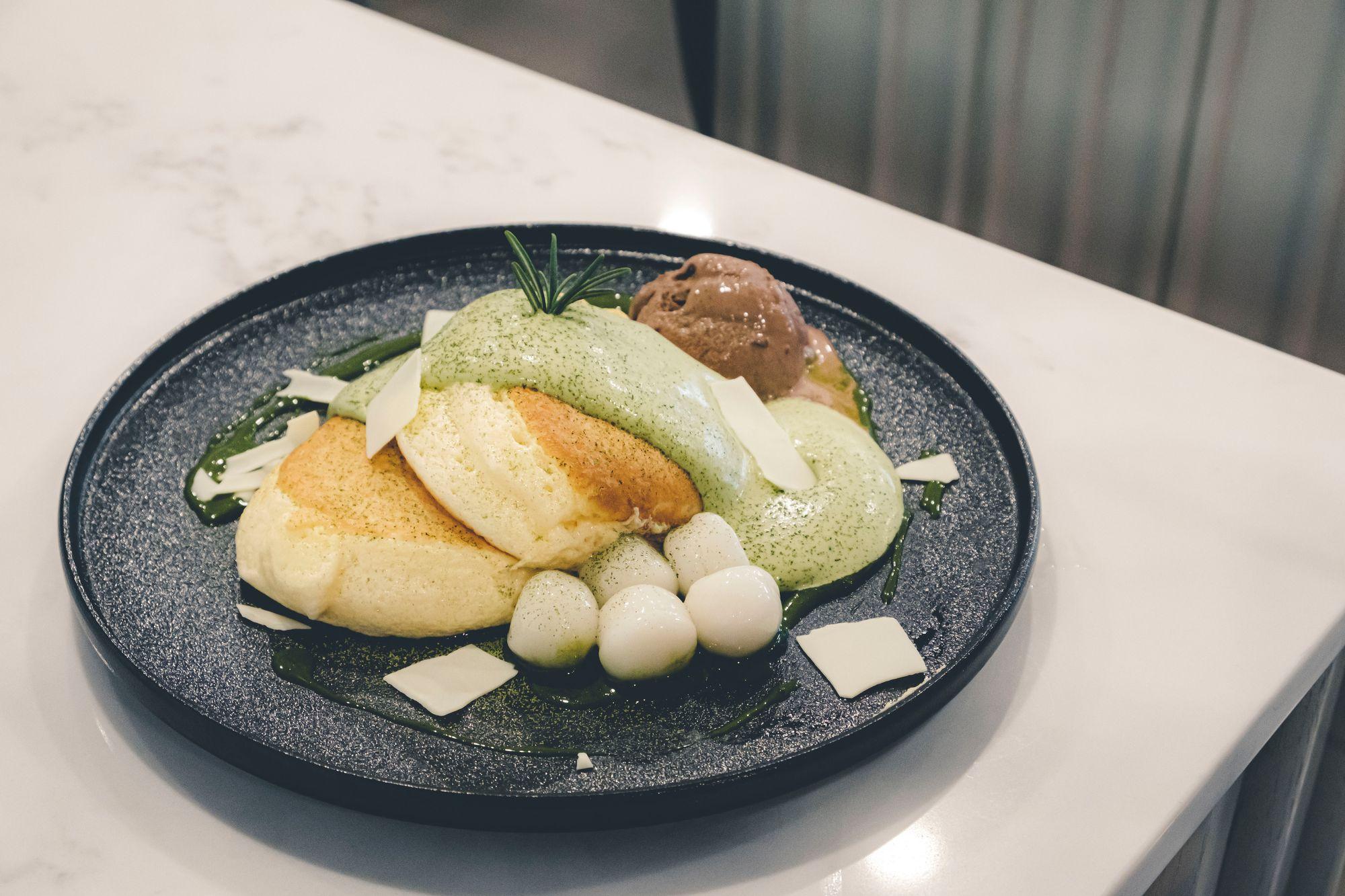 Matcha Mochi Soufflé Pancake