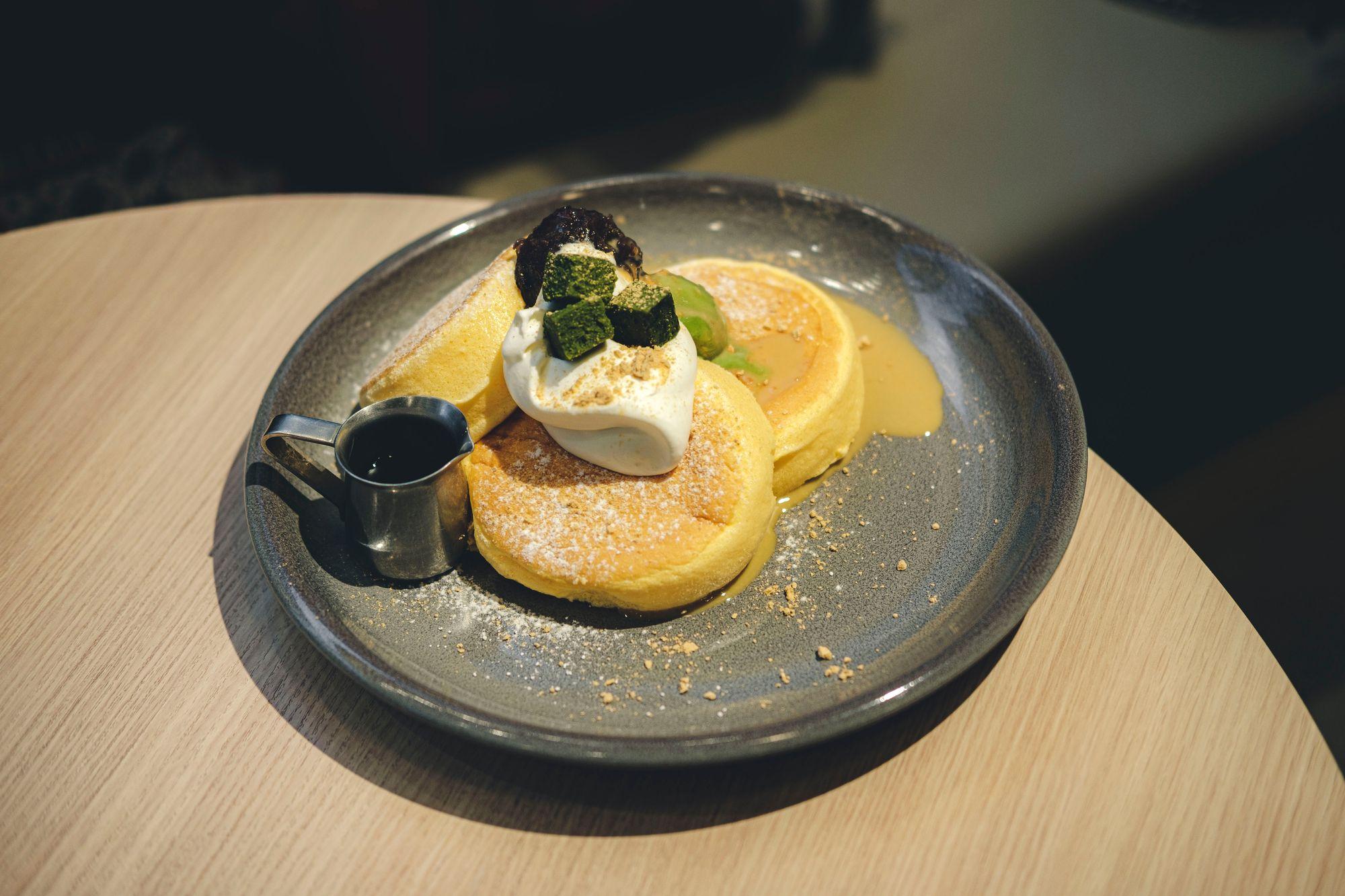 Matcha Soufflé Pancake from Flipper's