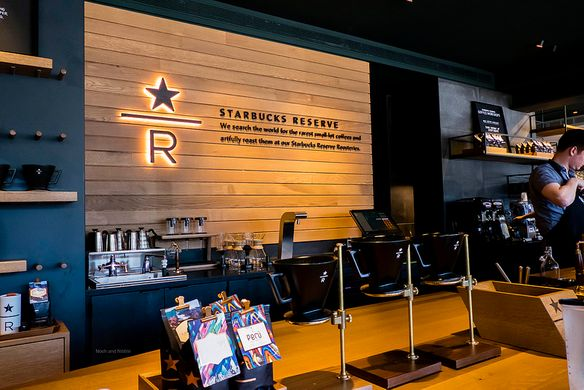 Starbucks Reserve Coffee Bar - Siphon Review - Vancouver